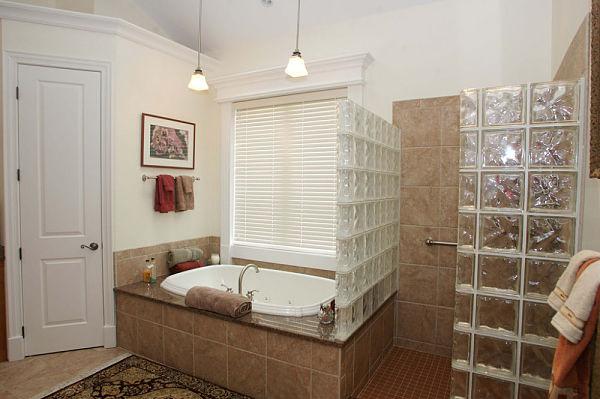doorless walkin shower with glass block walls