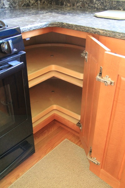 kitchen carousel in base cabinet
