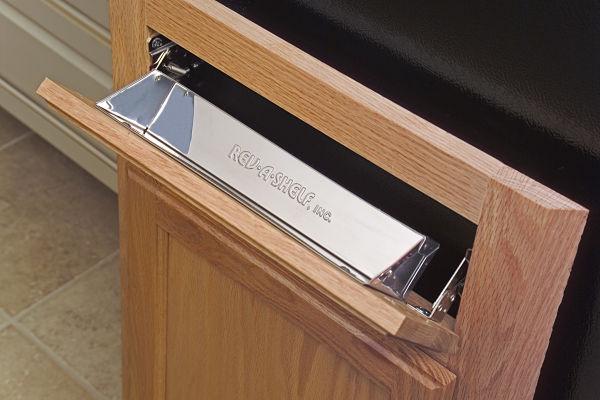 Bishop cabinet with Rev a Shelf insert