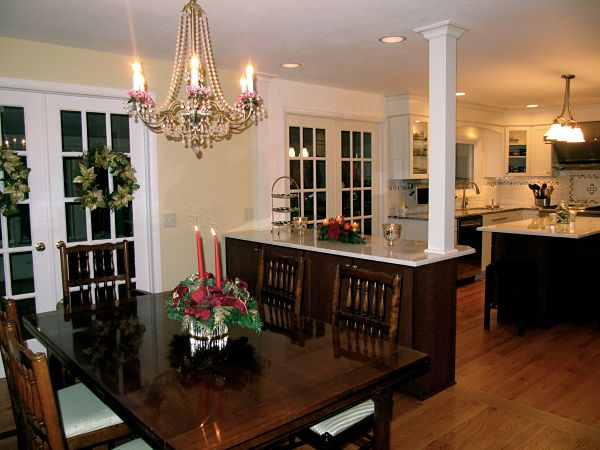 Open Kitchen and Dining Area opt