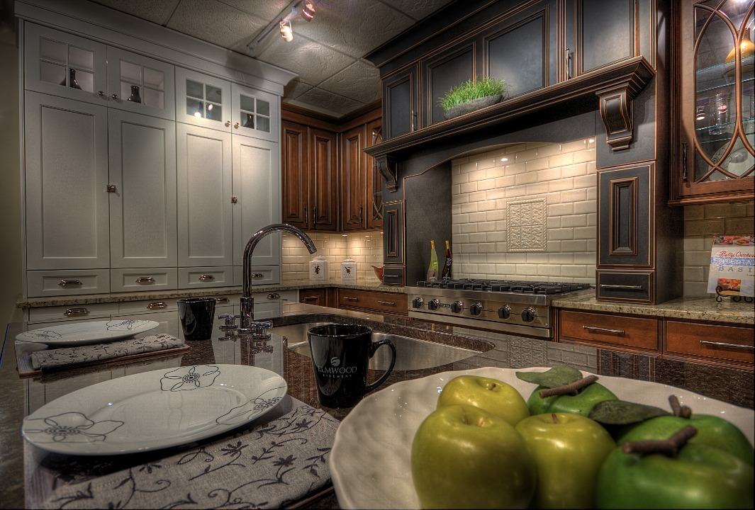 Traditional Kitchen Cabinets By Elmwood