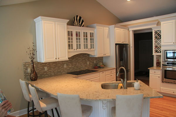 kitchen-makeover-with-angular-peninsula-countertop