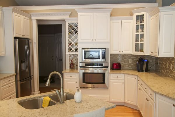 kitchen-makeover-with-new-counters-and-backsplash