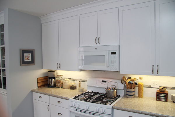 kitchen-with-white-cabinets-and-appliances