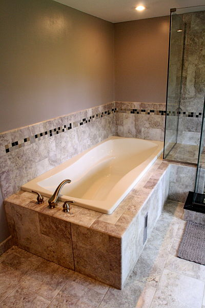 soaking tub with ceramic tile