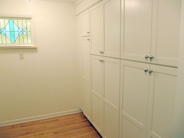 kitchen walk-in pantry