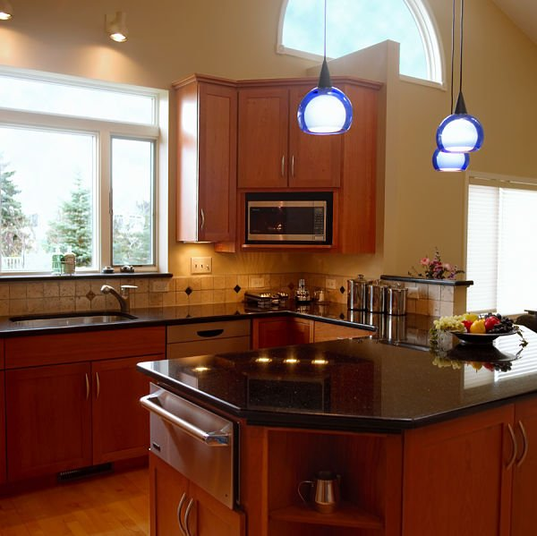 open kitchen with peninsula