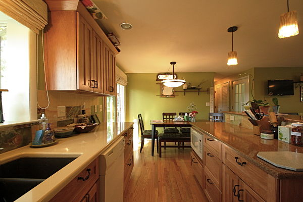 kitchen with kraftmaid cabinets