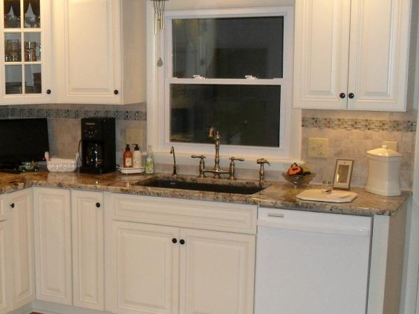 kitchen with undermount silgranite sink