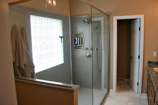 doorless-walk-in-shower.jpg
