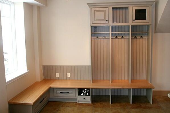 mudroom storage unit with bench
