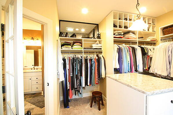 walk-in closet off master bath