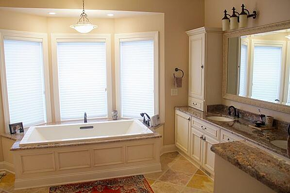 Whirlpool Tub and Bay Window