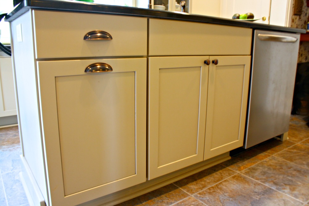 Kitchen cabinet design ideas photos and descriptions for Best paint sheen for kitchen cabinets