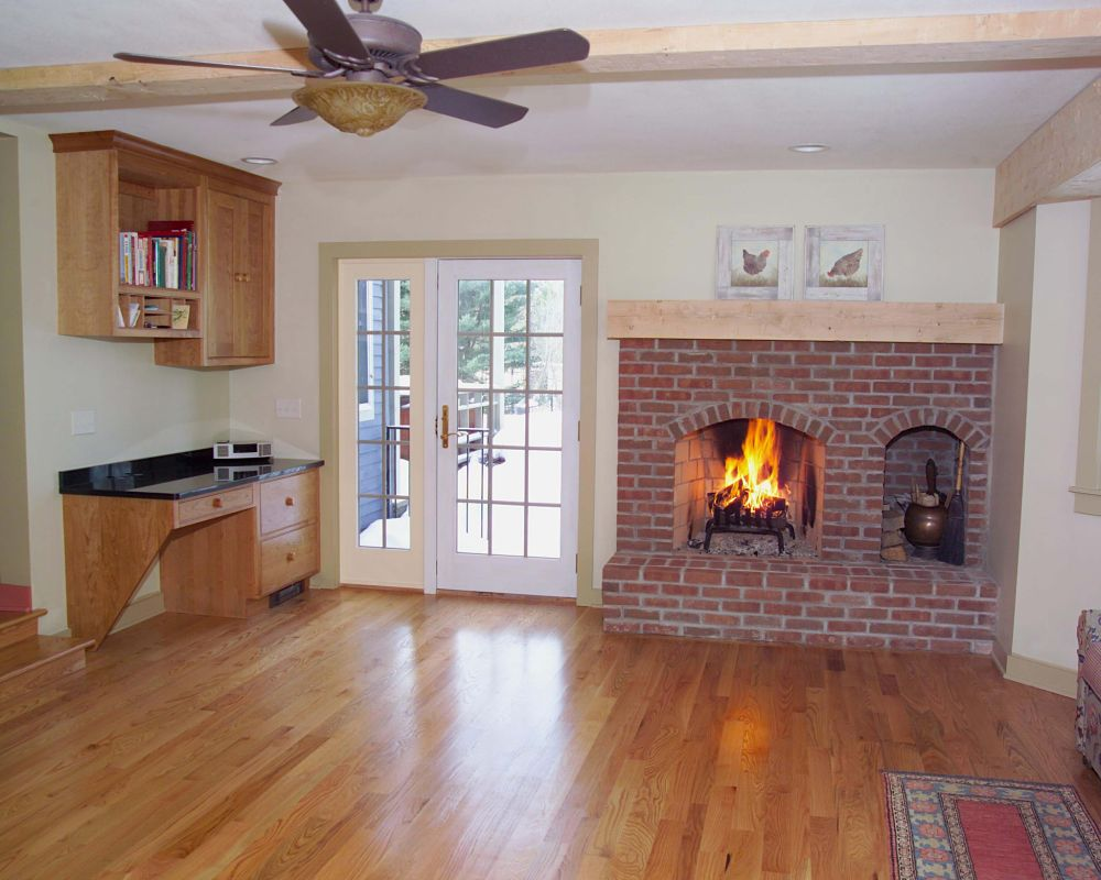 Fireplace Design Ideas | Photos and Descriptions on Simple Outdoor Brick Fireplace id=53304
