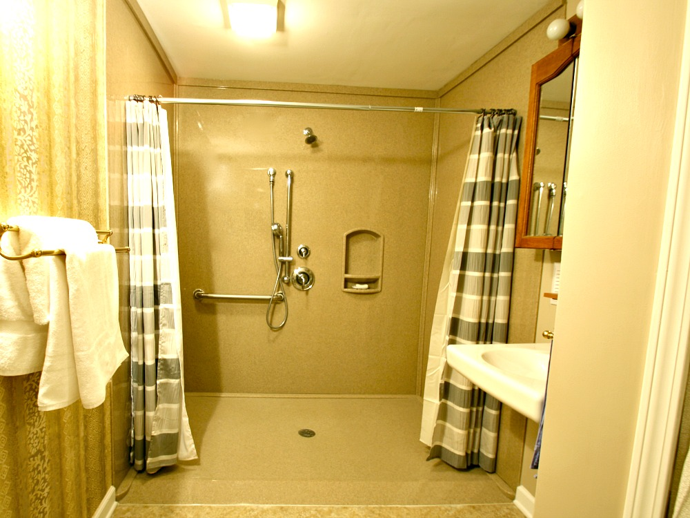 Universal design ideas for bathrooms photos and descriptions - Walk in shower base ...